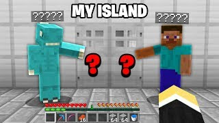 I let 10 RANDOM STRANGERS look after my Minecraft Skyblock ISLAND for 1 WEEK..