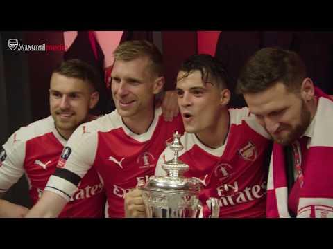 Dressing room celebrations | 2017 Emirates FA Cup CHAMPIONS!