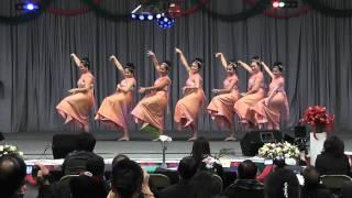 Nkauj Huab Dawb - (round 2) dance comp hmong merced new year 2011-2012