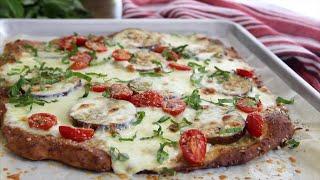 Glutenfreier Pizzateig mit Käse und Kräutern