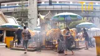 Scenes Of Bangkok City 2011. Anyone Travelling To Thailand A Must Watch.