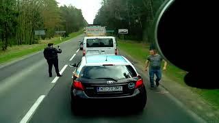 Napakowany Polak uczy Ukraińców kultury na drodze, nie ma takiego śmiecenia…