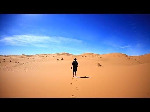 العرب اليوم - شاهد: كيف تتصرف لتنجو في الصحراء من دون طعام أو ماء