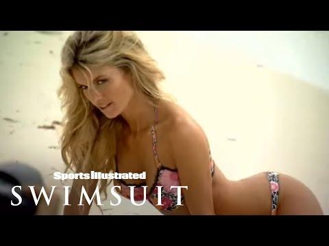 Marisa Miller in bodypaint