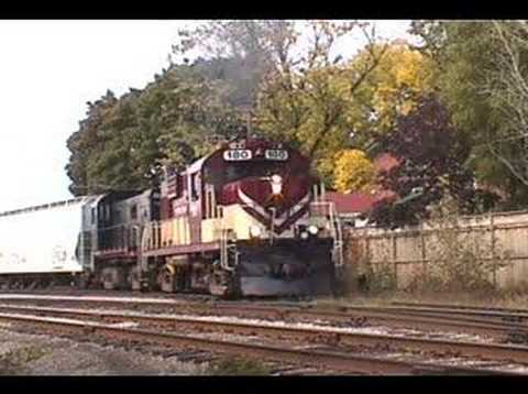 RS18 - The Ontario Southland is putting on a great show switching cars at Guelph Ontario. The throttle response is instantaneous, unlike GE and EMD. The sounds are ...