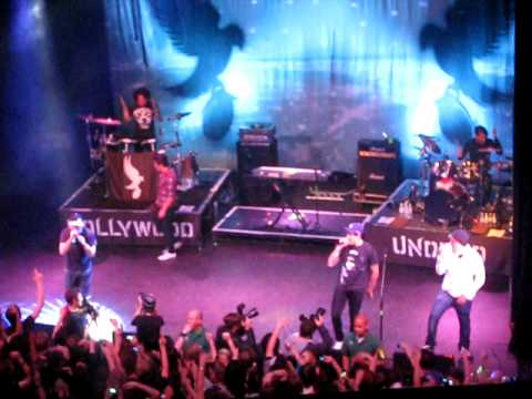 Hollywood Undead- Dead In Ditches Live