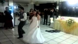 Download Lagu Vals sorpresa de matrimonio Jimmy Jaramillo y Sandra Fabara 27 de abril 2013 Quito - Ecuador Mp3