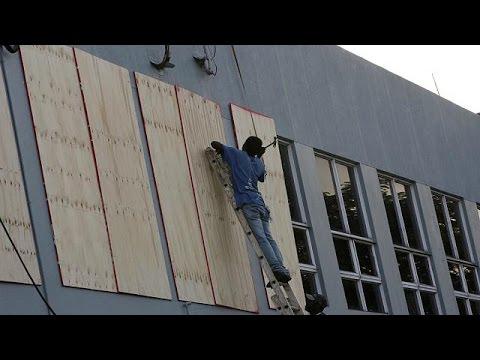 Πλησιάζει απειλητικά την Τζαμάικα ο τυφώνας Μάθιου