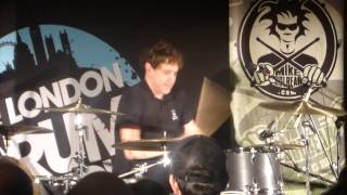 Video Kasabian - Days Are Forgotten (Ian Matthews solo performance at the London Drum Show 2016) MP3, 3GP, MP4, WEBM, AVI, FLV Oktober 2018