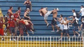 A miało być spokojnie! Konkretna bójka kibiców na całym stadionie!