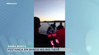 Flagrante de aglomeração dentro de um barco em Barra Bonita