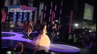 "Video Sodiq Monata Feat. Sharmila "" Aduhai "" MNCTV Road Show Gresik (30/5) MP3, 3GP, MP4, WEBM, AVI, FLV Juli 2018"