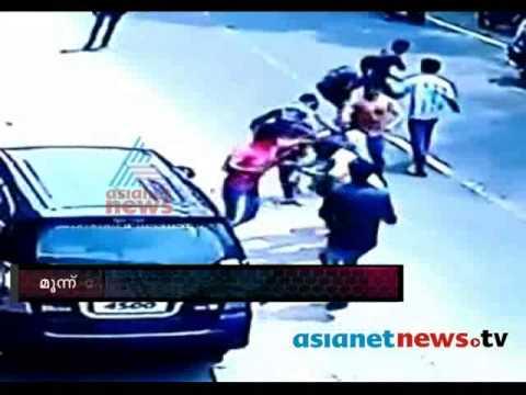 Video Gunda Attack at Thodupuzha FIR 4th April 2014 download in MP3, 3GP, MP4, WEBM, AVI, FLV January 2017