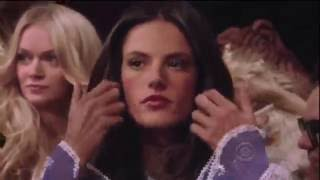 Victorias Secret Fashion Show-  2010  [Full HD]
