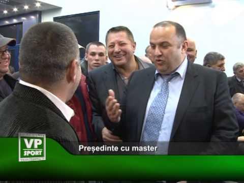 Președinte cu master