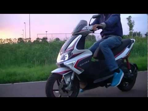 (HD) Gilera Runner SP BURNOUT & FLY-BY!!!