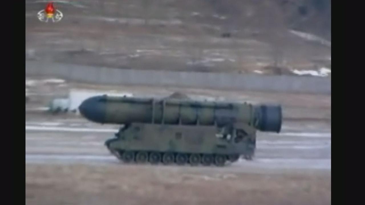 Η Βόρεια Κορέα ανακοίνωσε ότι εκτόξευσε επιτυχώς βαλλιστικό πύραυλο