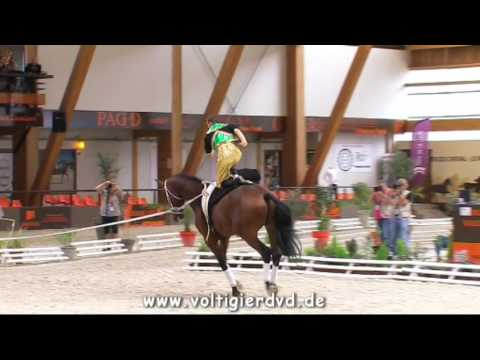 A Dzsingisz kánra vágtat a magyar lovastornász