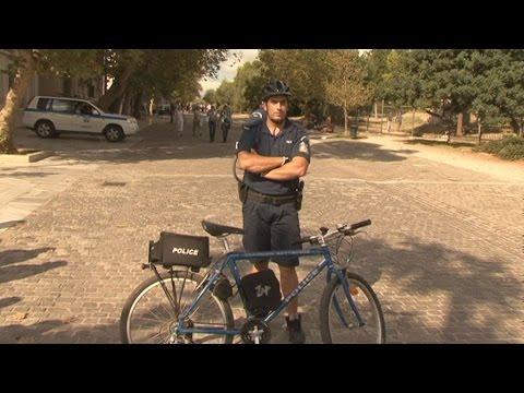 Ορθοπεταλιές ασφάλειας από αστυνομικούς σε τουριστικές περιοχές της Ελλάδας