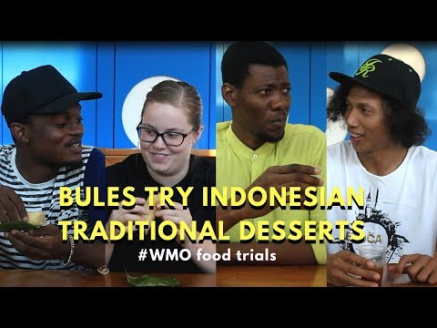 Foreigners Try Indonesian Desserts