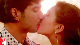 Nonton Scene  Shuddh Desi Romance   It Is Wrong To Kiss On The 1st Date    Sushant Singh Rajput   Parineeti Film Subtitle Indonesia Streaming Movie Download