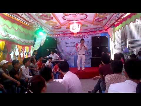 Châu Việt Cường hát ở đám cưới