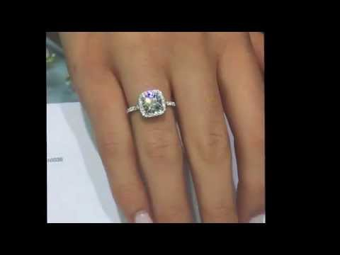 1.62 cts Round Diamond Engagement Ring in Square Halo