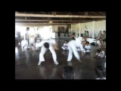 Academia de Capoeira Navio Negreiro - SP (Mestre Alemão)