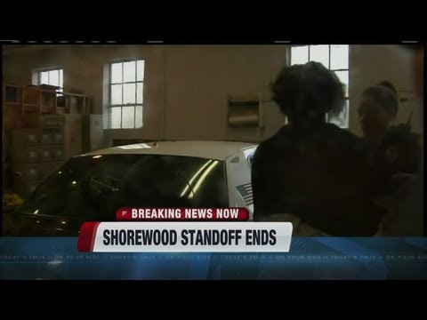 Two people in custody after tactical situation in Shorewood