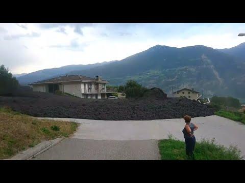 Schweiz: Schlammlawine rollt durch Bergdorf im Kanton Wallis