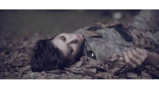 video Senza che nulla cambi (ft. Dargen D'Amico) Andrea Mirò