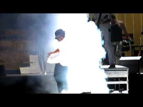 Video A.R. Rahman in Detroit - Michael Jackson Tribute download in MP3, 3GP, MP4, WEBM, AVI, FLV January 2017