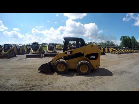 CATERPILLAR SKID STEER LOADERS 246C equipment video CSFCwmnsEN8