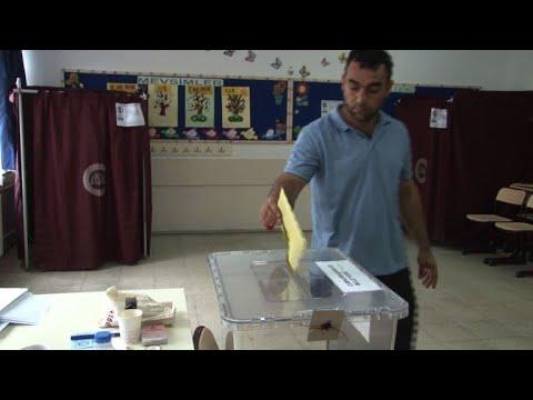 العرب اليوم - الأتراك يدلون بأصواتهم في انتخابات رئاسية وتشريعية مبكرة