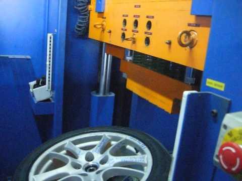 Тест дисков реплика WSP Italy W1051 TORNADO на удар обода (Porsche)