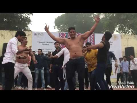 Video Gurjar boys dancing in venky college freshers download in MP3, 3GP, MP4, WEBM, AVI, FLV January 2017