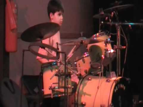 Raulzinho tocando ACDC e MAMONAS ASSASSINAS - Resort em Maragogi - AL