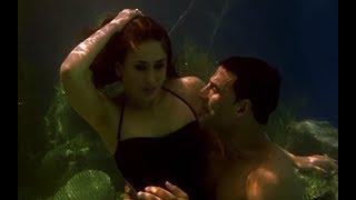 Video Akshay Kumar & Kareena Kapoor's under water romance - Kambakkht Ishq MP3, 3GP, MP4, WEBM, AVI, FLV Desember 2017