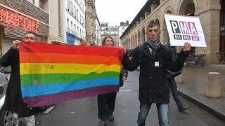 Video La communauté gay remercie Taubira MP3, 3GP, MP4, WEBM, AVI, FLV September 2017