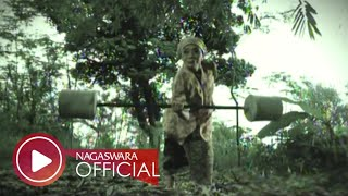 Video Wali Band - Nenekku Pahlawanku (Official Music Video NAGASWARA) #music MP3, 3GP, MP4, WEBM, AVI, FLV April 2018
