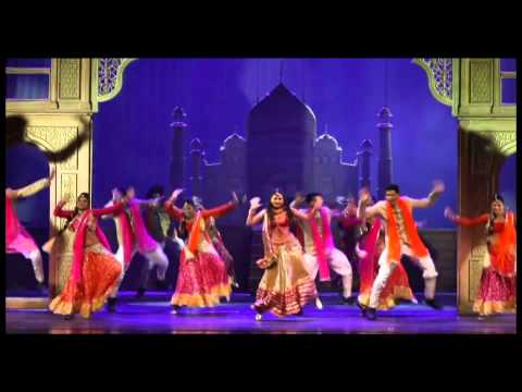 BOLLYWOOD EXPRESS - Spectacle - Sortir à Cannes 2014-2015 (видео)