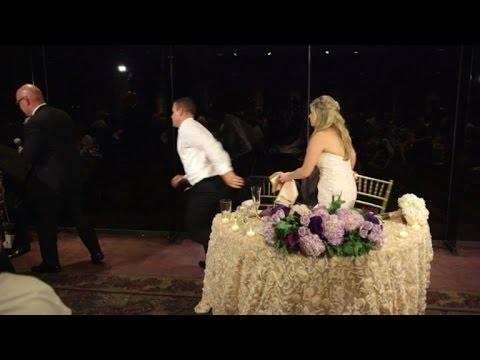 婚禮進行到一半時「新郎突然緊急離開座位」,傻眼的新娘下一秒就覺得新郎跑得很及時!