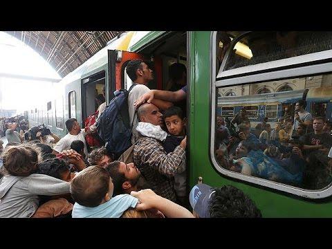 Ουγγαρία: Η αστυνομία σταματά στα σύνορα τρένα στα οποία επιβαίνουν πρόσφυγες