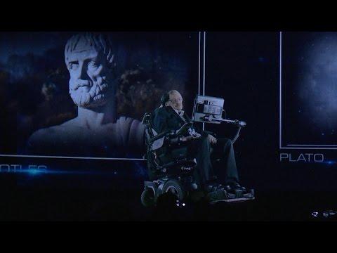 "Video - Ο Στίβεν Χόκινγκ ""εμφανίστηκε"" σαν ολόγραμμα και μίλησε στο ενθουσιώδες κοινό για την αξίας της τεχνολογίας"