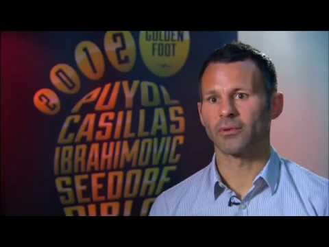 Giggs presents the candidates and gives Xavi his vote