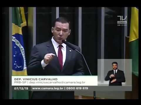 Na tribuna da Câmara, Vinicius Carvalho destaca a inauguração de escritório político em Marília