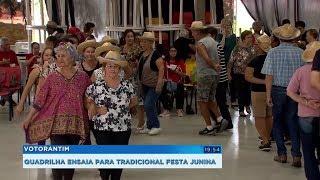 Idosos ensaiam para dançar quadrilha na tradicional Festa Junina de Votorantim