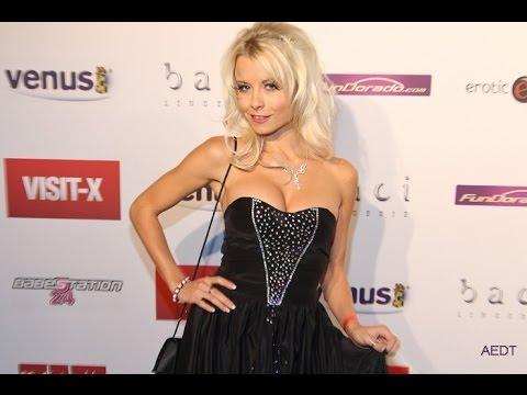 Mia Magma and Conny Dachs present the Venus Award for Best Studio 2013 (видео)