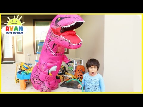 GIANT LIFE SIZE PINK DINOSAUR attacks Ryan! Family Fun kids chase pretend play magic transform