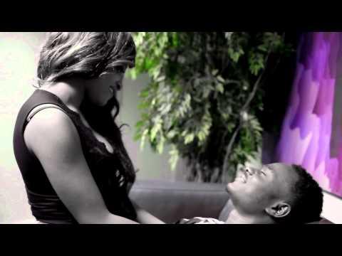 Moelogo & Ezi Emela - Deeper [Net Video]